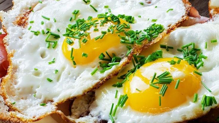 Mëngjes me shumë proteina në një pjatë të vetme